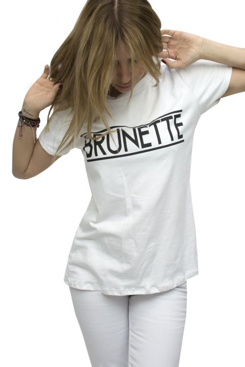 T-SHIRT FOR BRUNETTE
